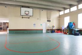 Le gymnase est dédié aux activités physiques adaptées proposées aux enfants et adultes dans le cadre de la rééducation, ainsi qu'aux activités de loisirs organisées par le service éducatif à destination des enfants.