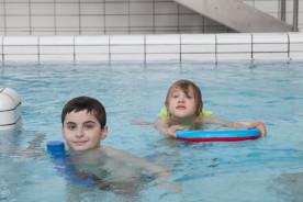Séance de balnéothérapie pour enfants